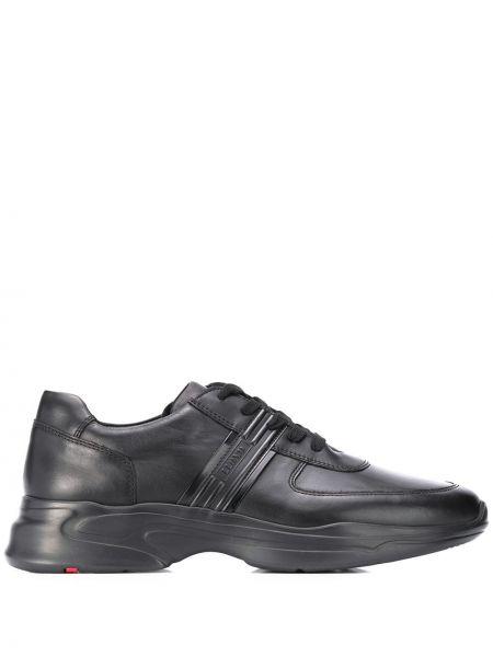 Кожаные кроссовки черные на шнуровке Lloyd
