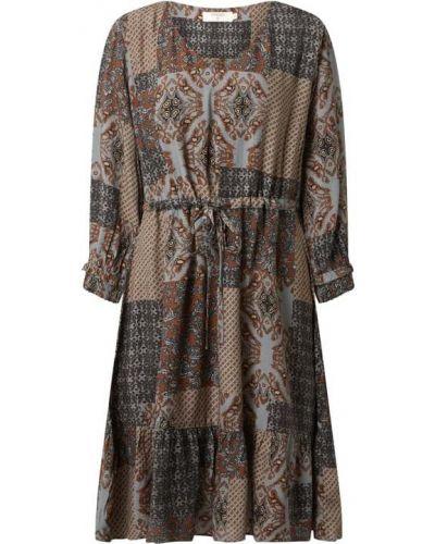 Sukienka rozkloszowana z szyfonu Cream