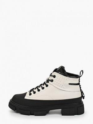 Белые зимние ботинки Wilmar