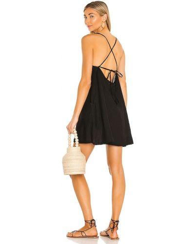 Черное платье мини из штапеля Vitamin A