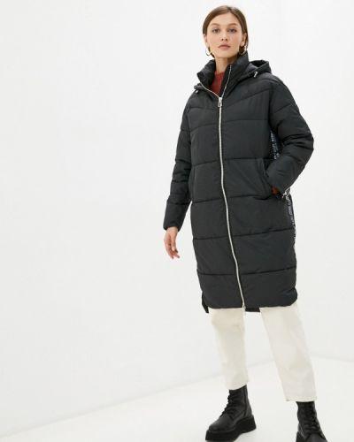 Черная утепленная куртка снежная королева