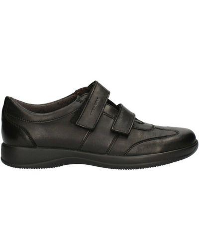 Czarne sneakersy Stonefly