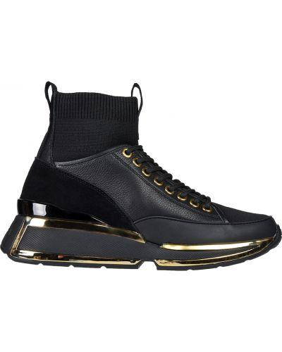 Черные кроссовки Kat Maconie