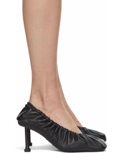 Белые туфли на каблуке Balenciaga