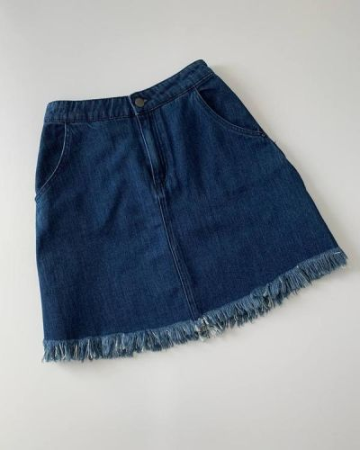 Синяя джинсовая юбка мини с бахромой Only