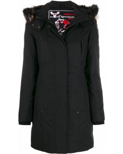 Черное длинное пальто из искусственного меха с воротником Moose Knuckles