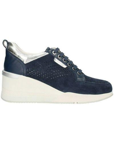 Niebieskie sneakersy na koturnie Stonefly