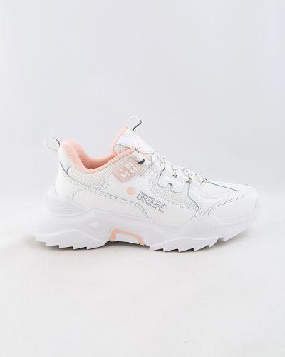 Белые кроссовки осенние Baas