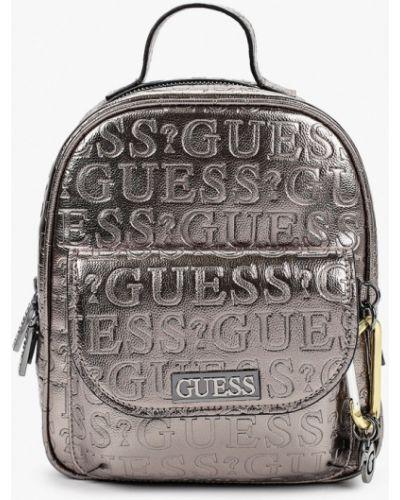 Серебряный городской кожаный рюкзак Guess