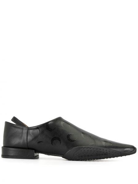 Skórzany czarny loafers z ostrym nosem Marine Serre