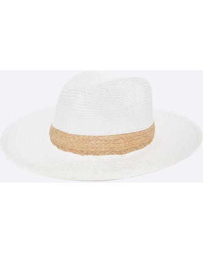 Белая шапка Pia Rossini