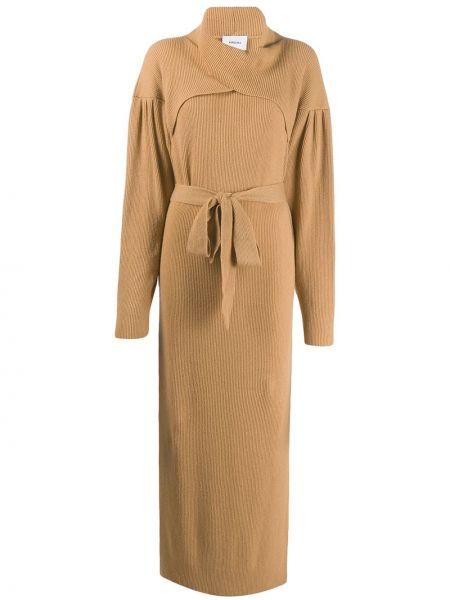 Вязаное платье в рубчик с разрезами по бокам с воротником Nanushka