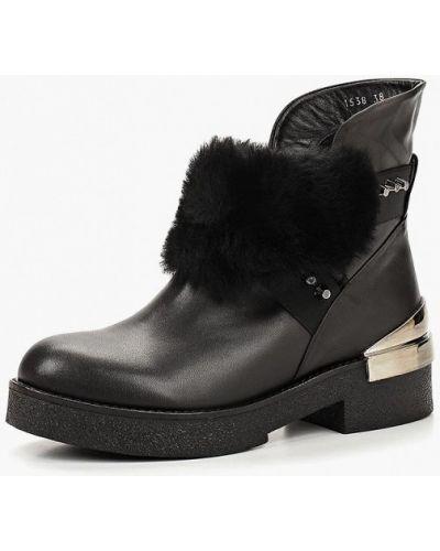 Ботинки на каблуке кожаные черный Ilvi