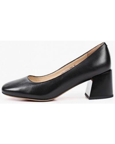 Черные кожаные туфли закрытые Mascotte