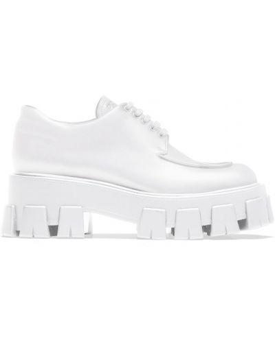 Белые кожаные дерби Prada