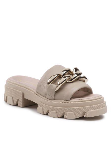 Beżowe sandały Karino