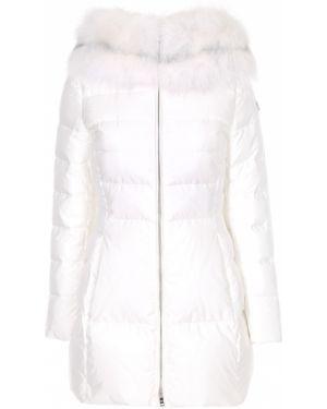 Приталенная нейлоновая куртка с капюшоном мятная с мехом Prada