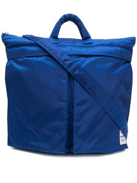 Niebieska torebka z nylonu Etudes