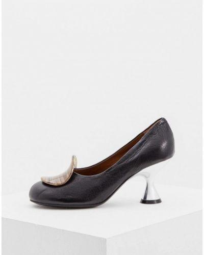 Кожаные туфли на каблуке осенние Marni