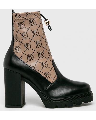 Кожаные ботинки - черные Baldowski