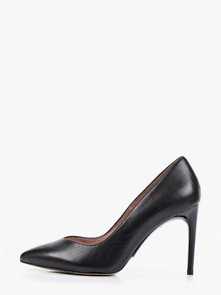 Кожаные туфли черные лодочки Tamaris