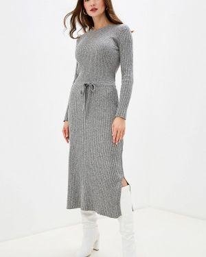 Платье серое прямое Brusnika
