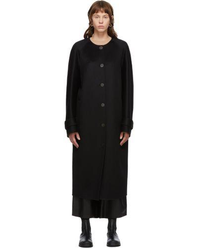 Черное пальто длинное Loewe