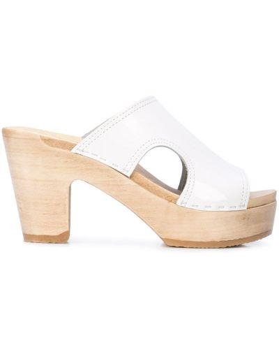 Босоножки на каблуке белые No.6