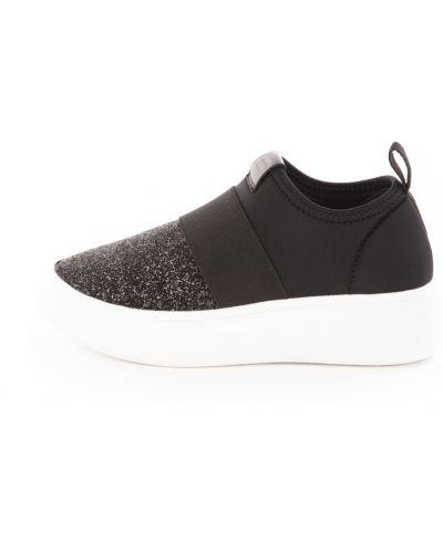 Czarne sneakersy Fessura