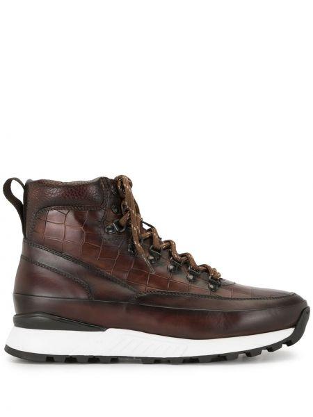 Кожаные коричневые ботинки на шнуровке с тиснением Magnanni