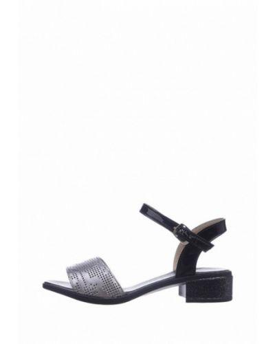 Лаковые кожаные серебряные сандалии Cliford