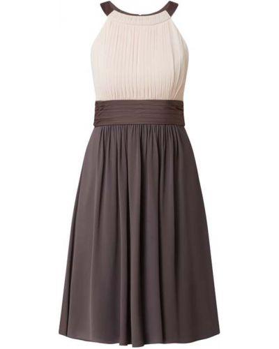 Beżowa sukienka koktajlowa rozkloszowana z szyfonu Jake*s Cocktail