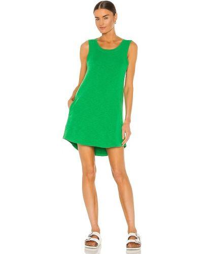 Спортивное зеленое махровое платье мини Chaser