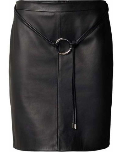 Czarna spódnica z paskiem skórzana Hugo