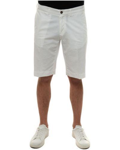Klasyczne białe bermudy Canali