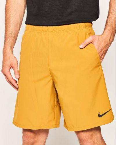 Brązowe spodenki sportowe Nike