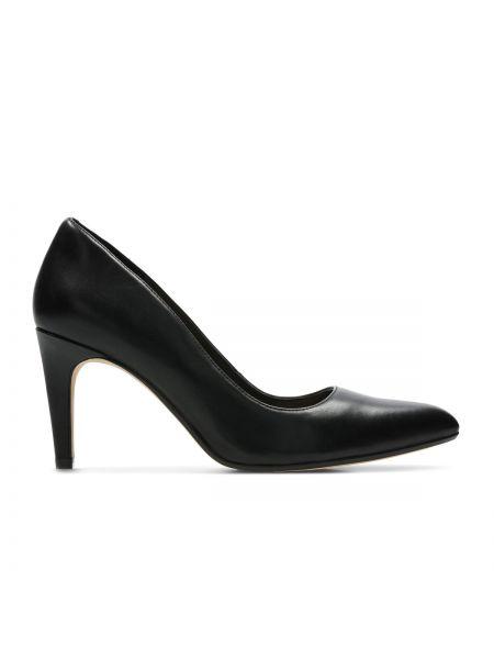 Кожаные туфли на каблуке на широкую ногу Clarks