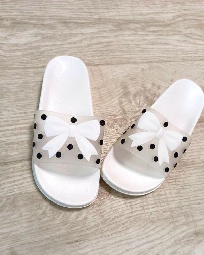 Резиновые шлепанцы - белые Slippers