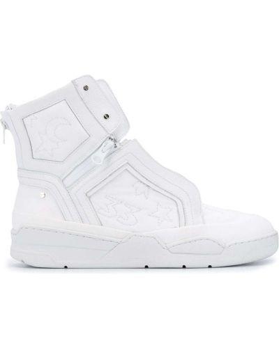 Białe sneakersy koronkowe Swear