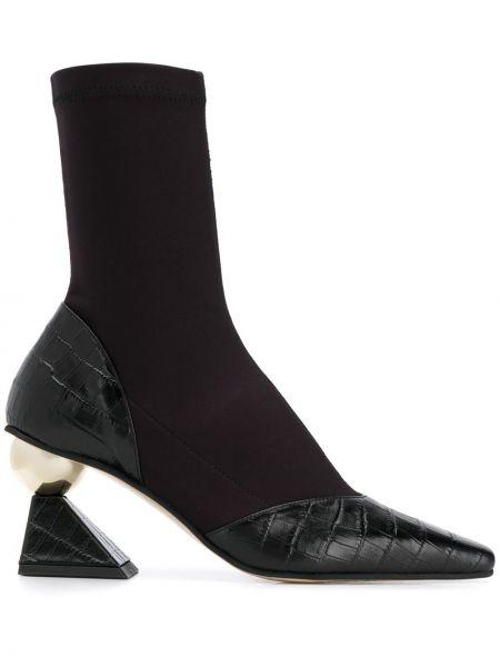 Золотистые кожаные черные носки без застежки Yuul Yie