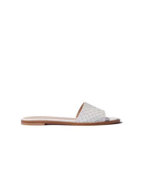 Białe sandały Scarosso