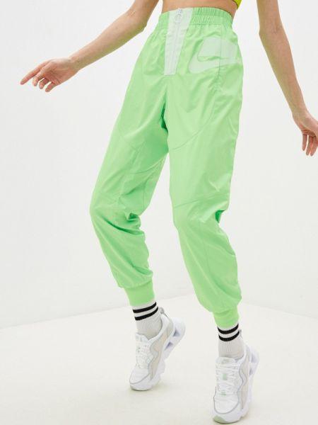 Спортивные брюки зеленый весенний Nike