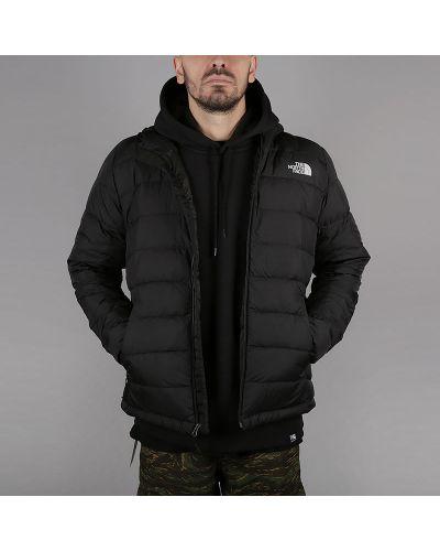 Черная куртка нейлоновая The North Face