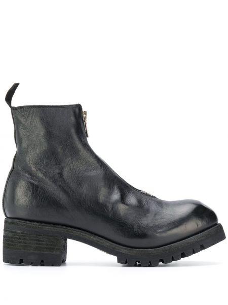 Czarny buty skórzane na pięcie z prawdziwej skóry z ozdobnym wykończeniem Guidi