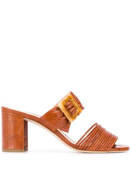 Коричневые массивные открытые босоножки на каблуке Chloe Gosselin