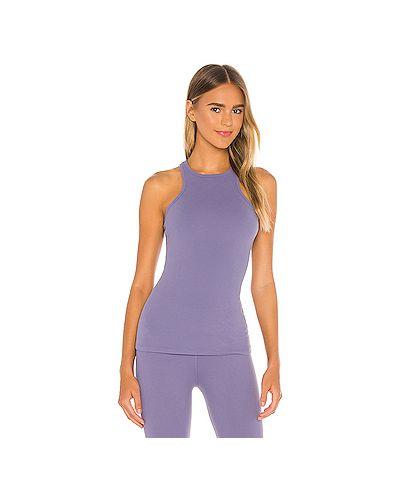 Фиолетовый нейлоновый топ для йоги на бретелях Beyond Yoga