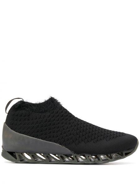 Спортивные кроссовки - черные Camper