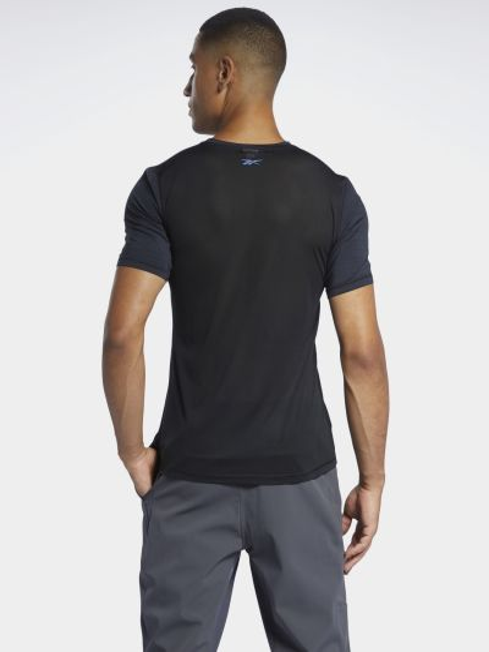 Приталенная черная футболка для бега Reebok