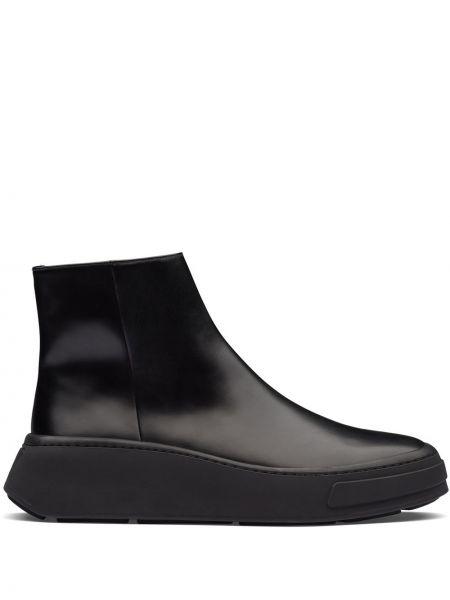 Czarny buty skórzane okrągły na pięcie z prawdziwej skóry Prada
