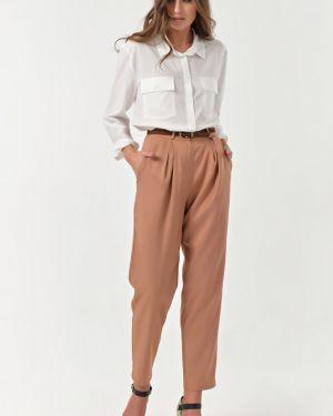 Свободные брюки зауженные с защипами Fly